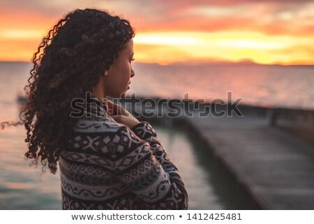 Mulher em pé lago esperançoso veja olhos Foto stock © stevanovicigor