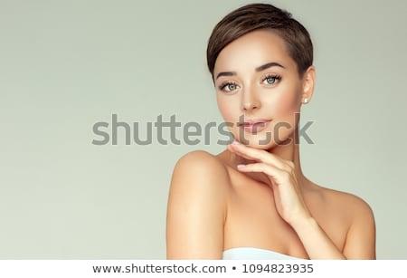 Gyönyörű rövid haj nő gyönyörű nő mosoly arc Stock fotó © keeweeboy