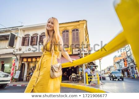 Mulher turista rua estilo phuket cidade Foto stock © galitskaya