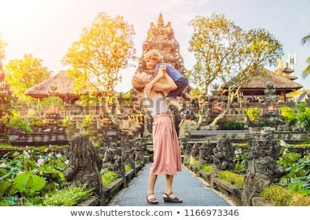 Mamá hijo templo bali isla Indonesia Foto stock © galitskaya