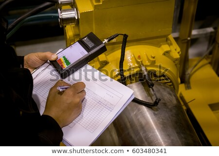 Stok fotoğraf: Mühendis · ölçüm · veri · genç · erkek · mavi