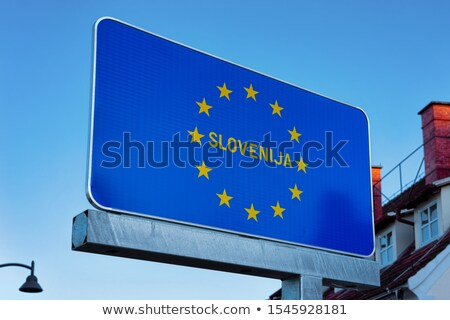 Eslovenia sinal da estrada verde nuvem rua assinar Foto stock © kbuntu