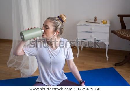 vrouw · gymnasium · water · glimlach · gezondheid · schoonheid - stockfoto © photography33