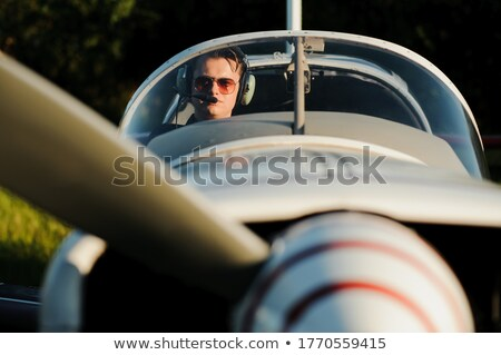 Para posiedzenia kabina pilota świetle samolotów samolot Zdjęcia stock © photography33