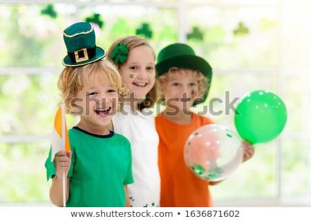 Cartoon · sonriendo · irlandés · mujer · mujer · sonriente · feliz - foto stock © kakigori