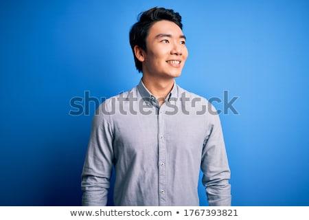 yandan · görünüş · mutlu · gündelik · adam · eller · gülümseme - stok fotoğraf © feedough