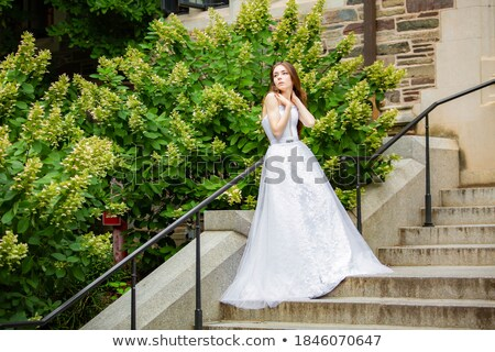 Meisje prinses kapel deur leuk kasteel Stockfoto © IS2