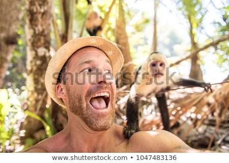 Stockfoto: Mannen · toeristische · zelfportret · aap · berg · zomer