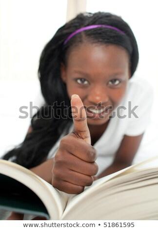 lettura · letto · foto · bella · donna · incinta · libro - foto d'archivio © wavebreak_media