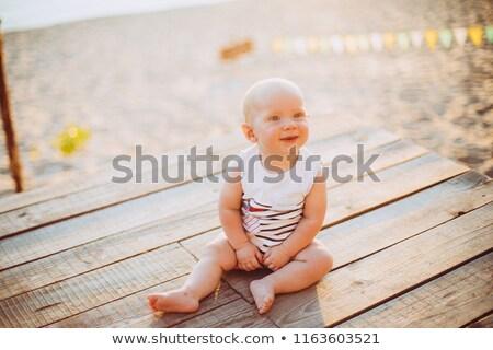 Mutlu bebek plaj gülümseme çocuk Stok fotoğraf © luckyraccoon