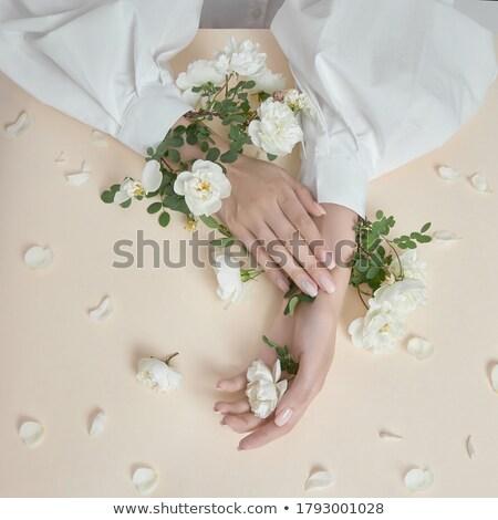 manikűrös · gyengéd · kéz · szög · törődés · női - stock fotó © andreypopov
