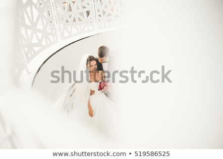 Romantische portret huwelijk paar jonge glimlach Stockfoto © konradbak