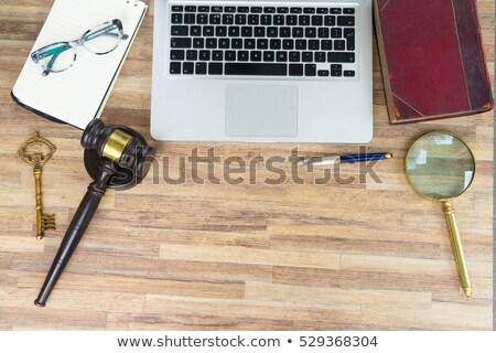 Werkruimte held recht hamer houten Stockfoto © neirfy