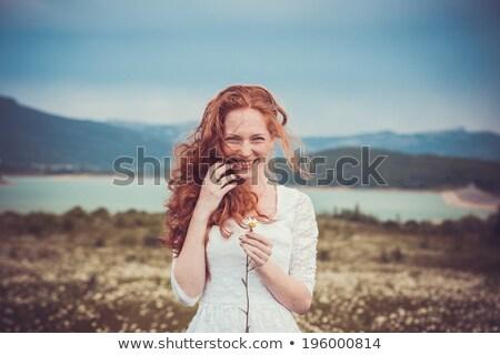そばかすのある 少女 帽子 花束 立って 海岸 ストックフォト © Agatalina