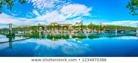 Promenade rivier Lyon blauwe hemel Stockfoto © meinzahn