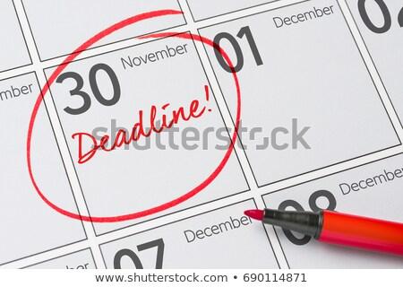 Photo stock: Date · limite · un · message · portable · café · bureau · stylo