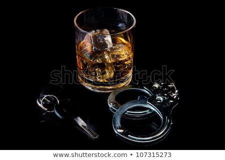 las · llaves · del · coche · whisky · vaso · claves · dentro · vidrio - foto stock © morrbyte