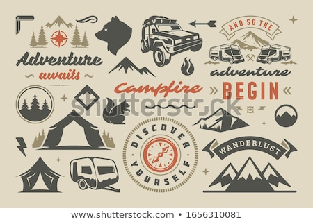 Vintage viajar distintivo acampamento carro Foto stock © JeksonGraphics