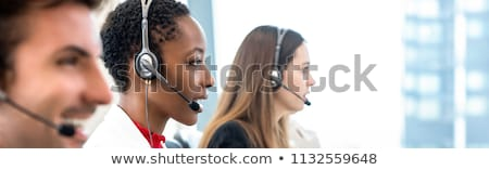Stockfoto: Mooie · zwarte · vrouw · hoofdtelefoon · glimlachend · jonge · afro-amerikaanse