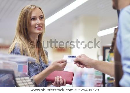 vrouw · kassa · supermarkt · veiligheid · pin · winkelen - stockfoto © wavebreak_media
