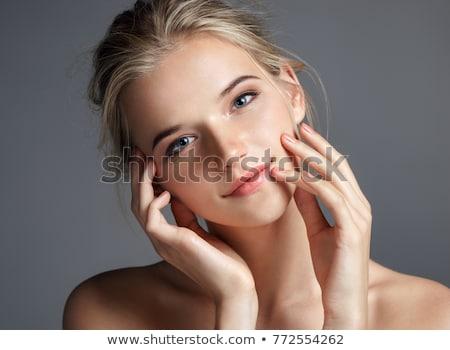 Belo mulher jovem naturalismo make-up lábios vermelhos curto Foto stock © lubavnel