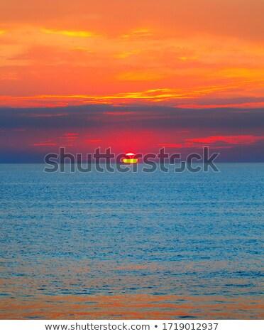 gyönyörű · vízpart · lakosztály · óceán · tengerpart · víz - stock fotó © kotenko