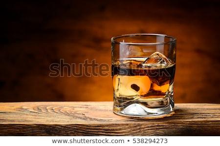 vidrio · whisky · mesa · de · madera · superior · vista - foto stock © DenisMArt