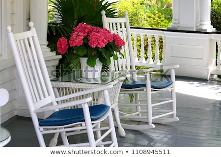 Table chaises porche vide permanent soleil Photo stock © jrstock
