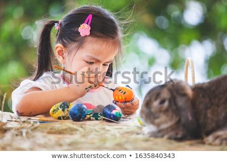 meisje · geschilderd · eieren · vrouw · mediteren - stockfoto © Kor