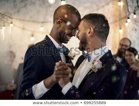 zoete · bruidstaart · paar · kus · liefde - stockfoto © adrenalina