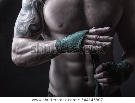 mains · musculaire · homme · bandage · formation · kickboxing - photo stock © master1305