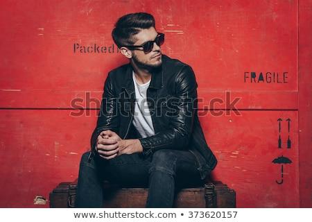 jonge · mannelijk · model · bruin · jas · grijs · gezicht - stockfoto © feedough