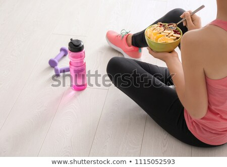 женщину · гантели · здоровое · питание · улыбка · тело · домой - Сток-фото © photography33