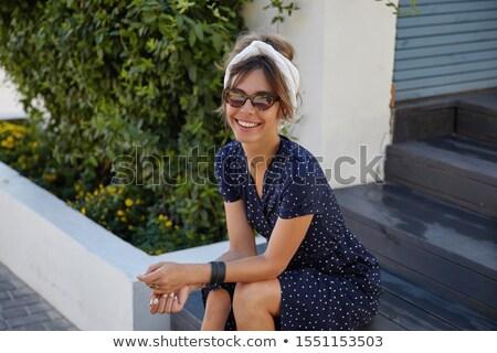Piękna przypadkowy kobieta makijaż posiedzenia Zdjęcia stock © feedough