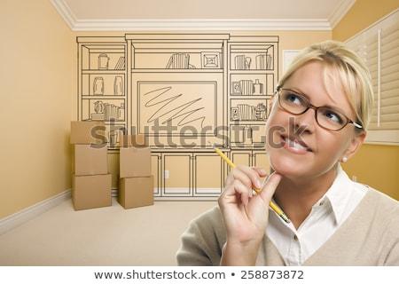Aantrekkelijke vrouw potlood lege kamer huis vrouw meisje Stockfoto © feverpitch