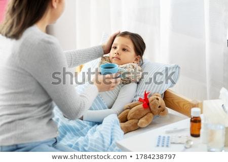 criança · pílula · mão · humana · medicina · saúde · bebê - foto stock © dolgachov