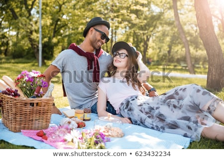 cute · paar · picknick · vrouw · man · gelukkig - stockfoto © photography33