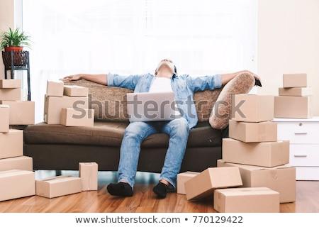 colocataires · épuisé · jour · du · déménagement · homme · amis · élèves - photo stock © photography33