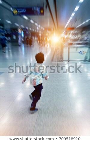 menino · metrô · estação · andar · de · skate - foto stock © meinzahn