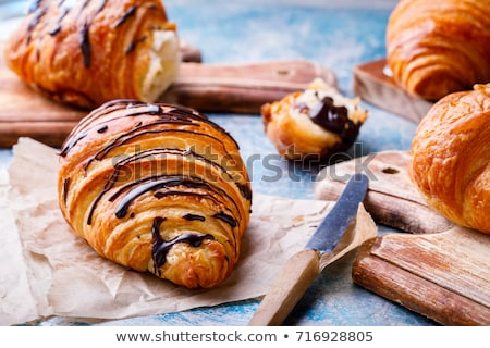 frescos · sabroso · croissant · edad · mesa · de · madera · grupo - foto stock © mady70