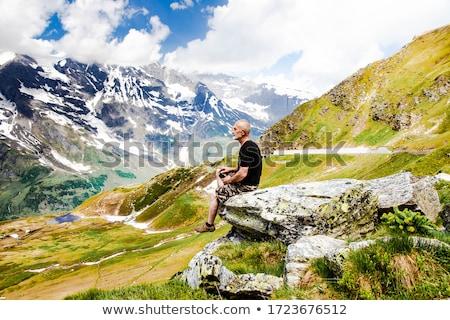Hipszter férfi felső hegy terv portré Stock fotó © Yatsenko