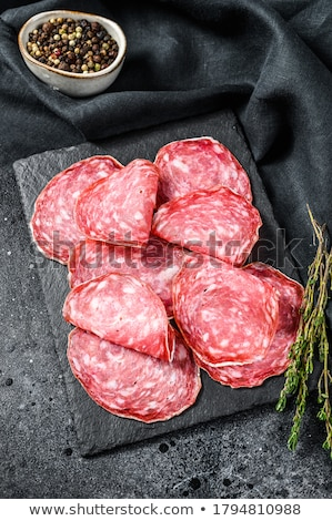 salame · fatias · fino · folha · creme · queijo - foto stock © icefront