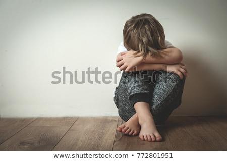 criança · punição · pequeno · menino · parede · canto - foto stock © lopolo