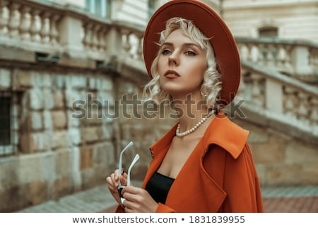 blond · parel · string · portret · jonge · mooie - stockfoto © zastavkin