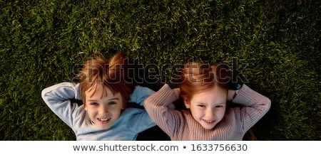 Foto stock: Parejas · mentir · hierba · cielo · nina · naturaleza