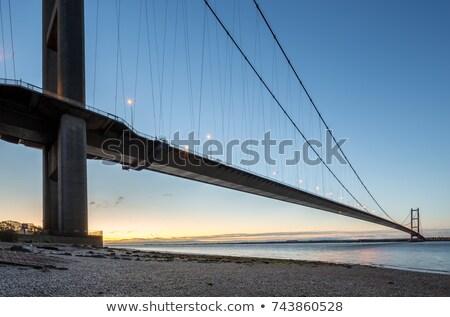 25 · híd · Lisszabon · éjszaka · kilátás · Portugália - stock fotó © fxegs