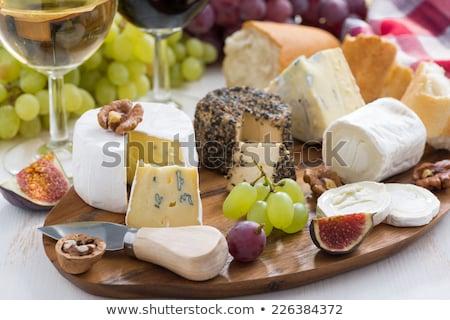 kaas · variatie · rode · wijn · houten · tafel · wijn · vruchten - stockfoto © stootsy