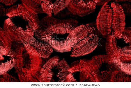 Batom vermelho Fotos, imagens e vetores