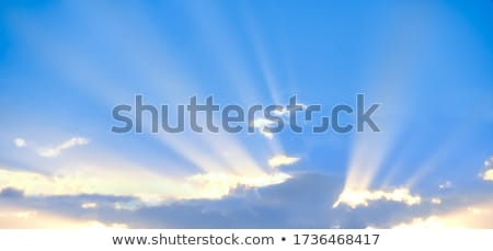 Stockfoto: Wolk · zonnestralen · foto · dramatisch · hemel · zonsondergang
