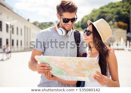 fiatal · trekking · pár · térkép · áll · lány - stock fotó © kzenon
